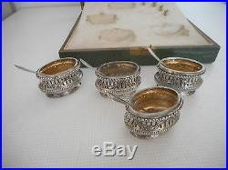 4 salerons, salières en argent de style Louis XVI, poinçons minerve. XIX°