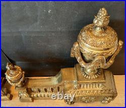 ANCIEN CHENETS EN BRONZE DORE style LOUIS XVI