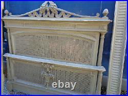 Ancien Lit style Louis XVI vieux gris cannage patine ancienne shabby