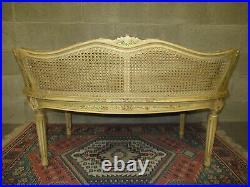 Ancien Petit Canapé Banquette Avec Cannage En Bois Peint De Style Louis XVI