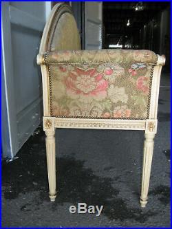 Ancien Petit Canapé Banquette En Bois Peint Et Doré De Style Louis XVI