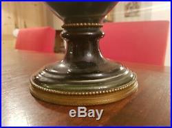 Ancien grand vase de style Louis XVI en faience, monture en laiton XIX ème s