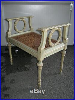 Ancienne Petite Banquette En Bois Avec Cannage De Style Louis XVI