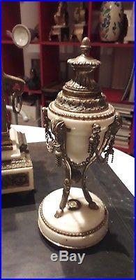 Belle Garniture de cheminee Pendule Style Louis XVI XIXÈME marbre Et Bronze