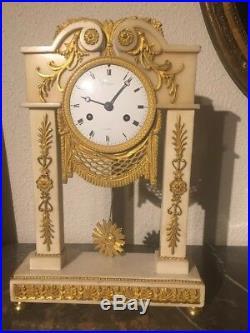 Belle pendule style Louis XVI marbre début XIXe horloger parisien Hennequin