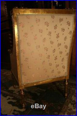 Bergère en bois doré de style Louis 16 Marie-Antoinette
