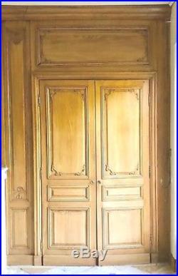 Boiserie de style louis XVI en bois d'orme teinté Élément d'architecture