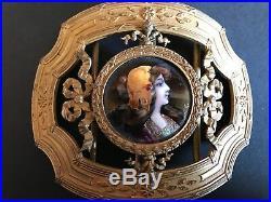 Boucle De Ceinture En Bronze Style Louis Xvi. Medaillon Profil Emaux De Limoges