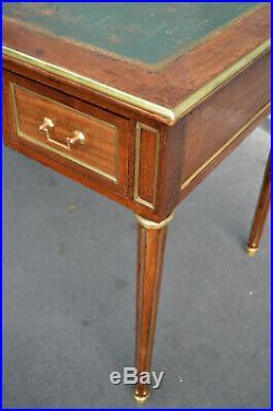 Bureau Plat à Tirettes Style Louis XVI Fin XIXe Siècle en Acajou