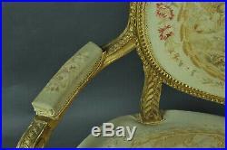 Canapé De Style Louis XVI En Bois Doré Et Tapisserie Aubusson