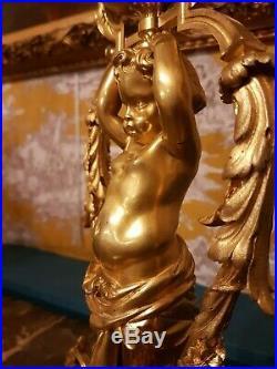 Candélabre de style Louis XVI, bronze doré au Putto Atlante, d'après Prieur, 19e