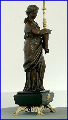 Chandelier Style Louis XVI Très belle statue porte torchère Epoque 19ème