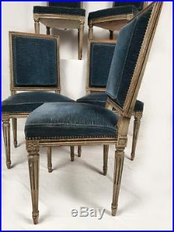 Cinq chaises de style Louis XVI en bois laqué gris Fin XIXe