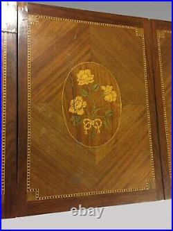 Coiffeuse marquetée style Louis XVI