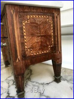 Commode de maitrise style Louis XVI