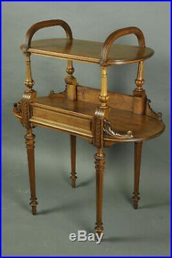 Desserte / Table à Thé De Style Louis XVI En Noyer Sculpté