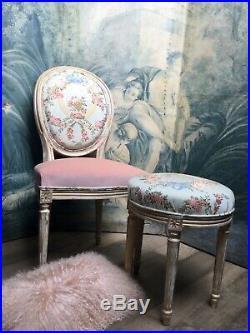 Ensemble chaise et tabouret style Louis XVI Marie-Antoinette, esprit boudoir