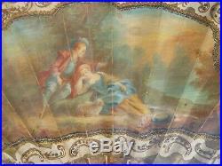 Éventail travail XIXe de style Louis XVI, peint d'une scène galante