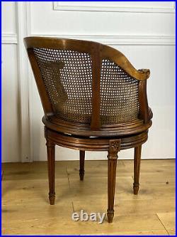 Fauteuil De Bureau Tournant Estampillé Mailfert (1884-1943) De Style Louis XVI