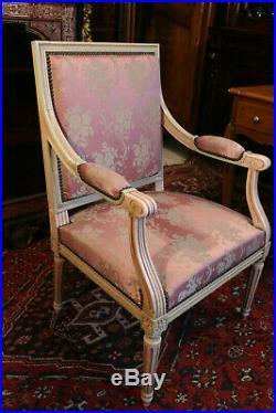 Fauteuil à large dossier de style Louis 16 fin 19e