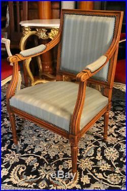 Fauteuil de bureau en hêtre blond massif tissu à bandes bleues style Louis 16
