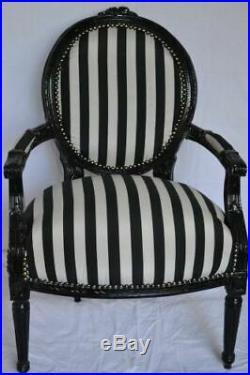 Fauteuil de style Louis XVI blanc et noir