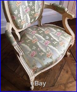 Fauteuil de style Transition Louis XV Louis XVI époque XIXème siècle
