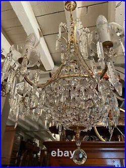 Grand lustre montgolfière à pampilles 6 feux de style Louis XVI