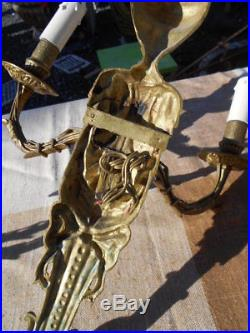 Grande Paire D' Appliques Epoque Fin 19e/ Debut 1900 De Style Louis 16 En Bronze