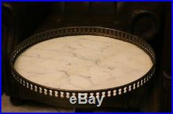Guéridon circulaire serviteur à deux niveaux en acajou de style Louis XVI
