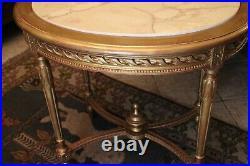 Guéridon table de milieu en bois doré de style Louis XVI