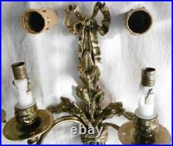 Haute & Svelte Paire d'Appliques à 2 bras de Lumière style Louis XVI Bronze