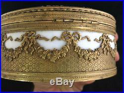 Important Coffret Circulaire Porcelaine et Laiton Doré Style Louis XVI XIX ème