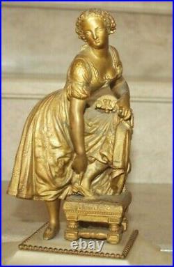 Jolie pendule bronze et marbre chiffres a cartouche de style louis XVI (19ème)