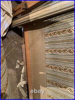 Lit de style Louis XVI en bois laqué Lit a colonne cannelée XX siècle /COMA