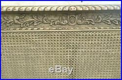 Lit de style Louis XVI en hêtre laqué Bois de lit canné
