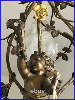 Lustre 3 angelots bronze et métal fleurs porcelaine style Louis XVI