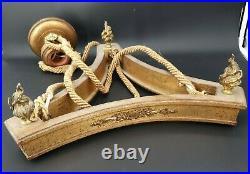 Lustre Ancien en bois doré et bronze style Louis XVI