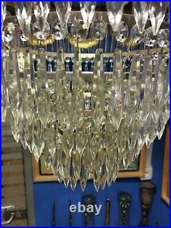 Lustre à pampilles de cristal et bronze de style Louis XVI époque 19e