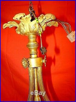 Lustre bronze avec 3 tulipes + 1 flamme de style Louis XVI époque début XXème