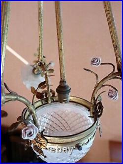 Lustre bronze style Louis XVI tulipes pâte de verre