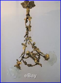 Lustre en bronze doré ange de style Louis XVI deux lumières époque XIX siècle