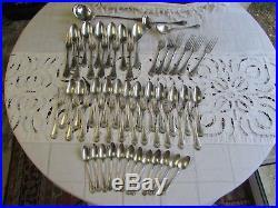 Ménagère en argent massif poinçon minerve de style LOUIS XVI 57 pcs 3.490kg
