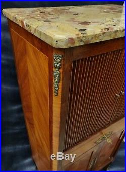 Meuble à musique à volet de style transition Louis XV Louis XVI