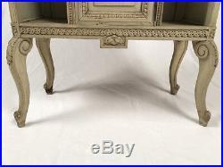 Meuble à partitions de style Louis XVI laqué gris Vers 1900