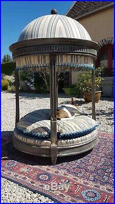 Niche ou lit à chien, style Louis XVI, 19 ème