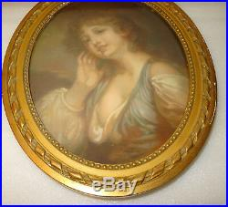 PASTEL PORTRAIT DE FEMME SEIN NU, XIXè DANS UN CADRE DORE OVALE STYLE LOUIS XVI
