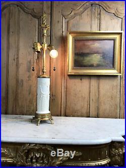 PIED DE LAMPE ANCIEN EN PORCELAINE MONTÉ BRONZE DE STYLE LOUIS XVI de 63 CM DE H