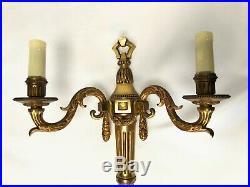Paire Appliques De Style Louis XVI En Bronze Avec Guirlande Patine Dore C1481