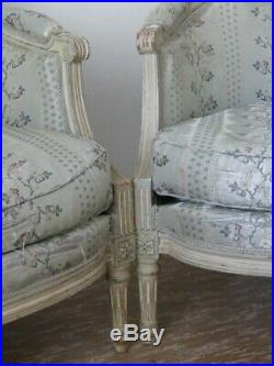 Paire De Bergère De Style Louis XVI